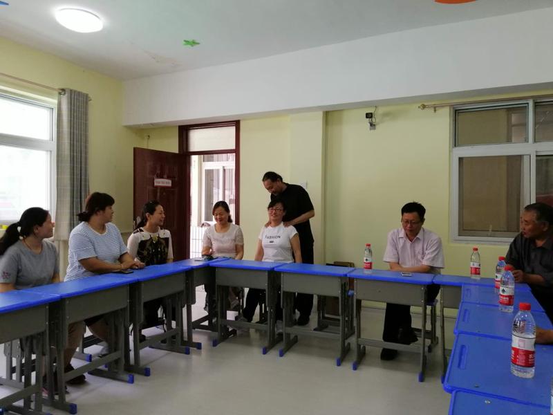 民建安阳市第二支部到市育敏学校进行慰问