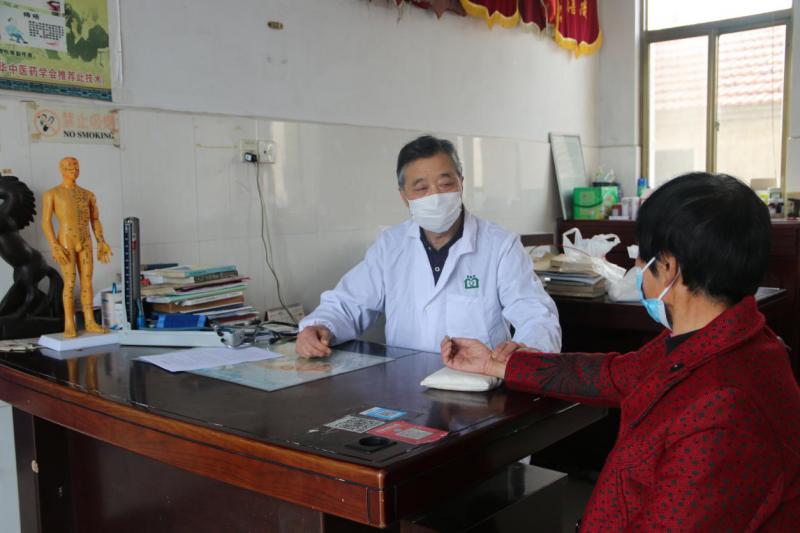 本草为依 守护健康——记乡村医生陆建中